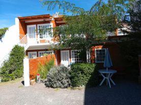 Departamentos Pi-Hue  turismo  Puerto Madryn, Puerto Madryn