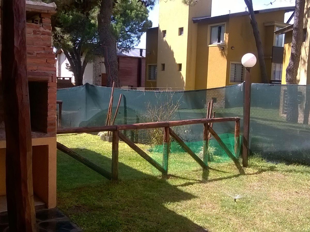 complejo cabañas chimay a 100mts.del mar, Villa Gesell