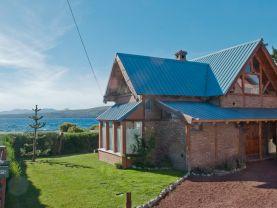 Casa sobre Costa del Lago-Bariloche, Bariloche
