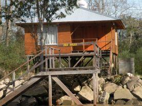 Cabaña Dos Soles en isla del delta de Tigre., Tigre