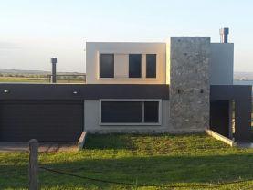 Casa a estrenar con vista al lago y a las sierras., Villa General Belgrano
