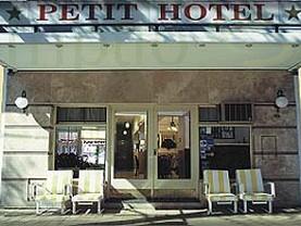 Petit Hotel, Pico Truncado