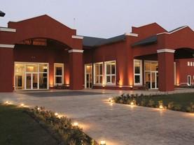 Howard Johnson Resort & Convention Center Ezeiza, Ezeiza