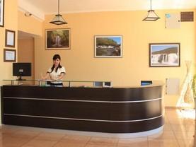 RI Hotel, Posadas